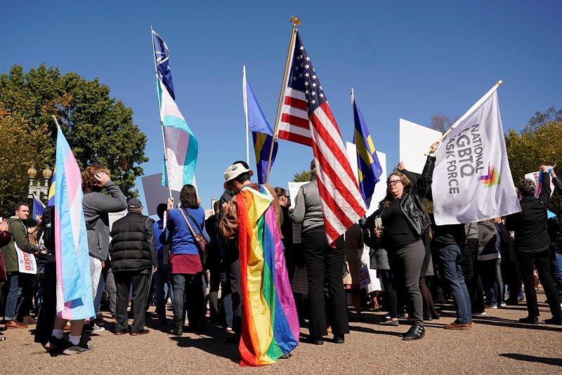 Planea Trump eliminar reconocimiento a transgéneros: NYT