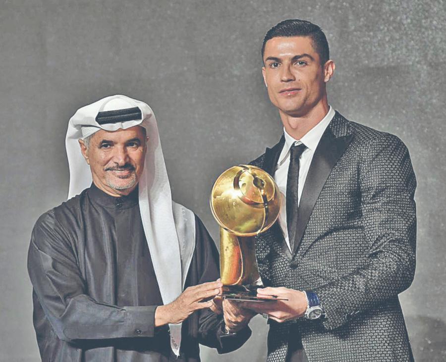 Cristiano gana los Globe Soccer Awards en Dubái