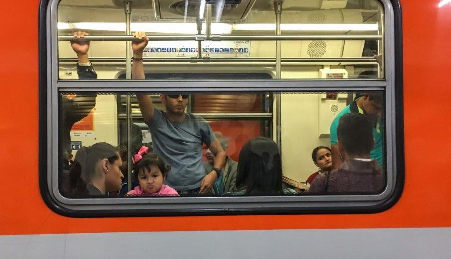 Es arrestada banda delictiva que operaba en el metro