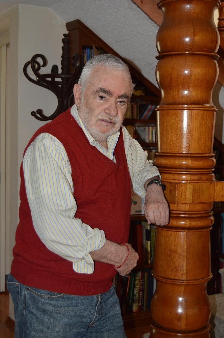 Ignacio Solares reúne 40 años de trabajo y celebra su 74 aniversario