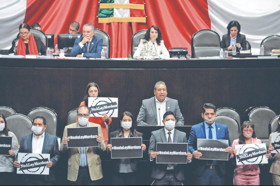 TEPJF rechaza juzgar ley mordaza