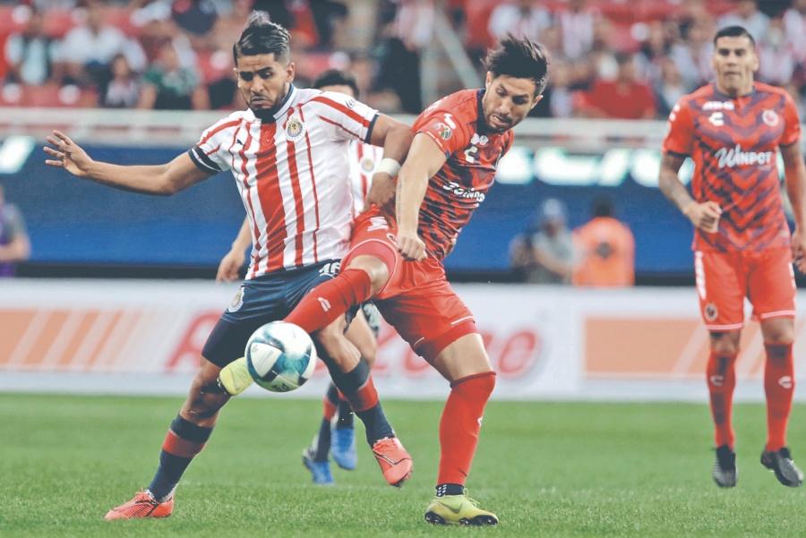 Chivas deja ir el liderato en empate frente al Veracruz