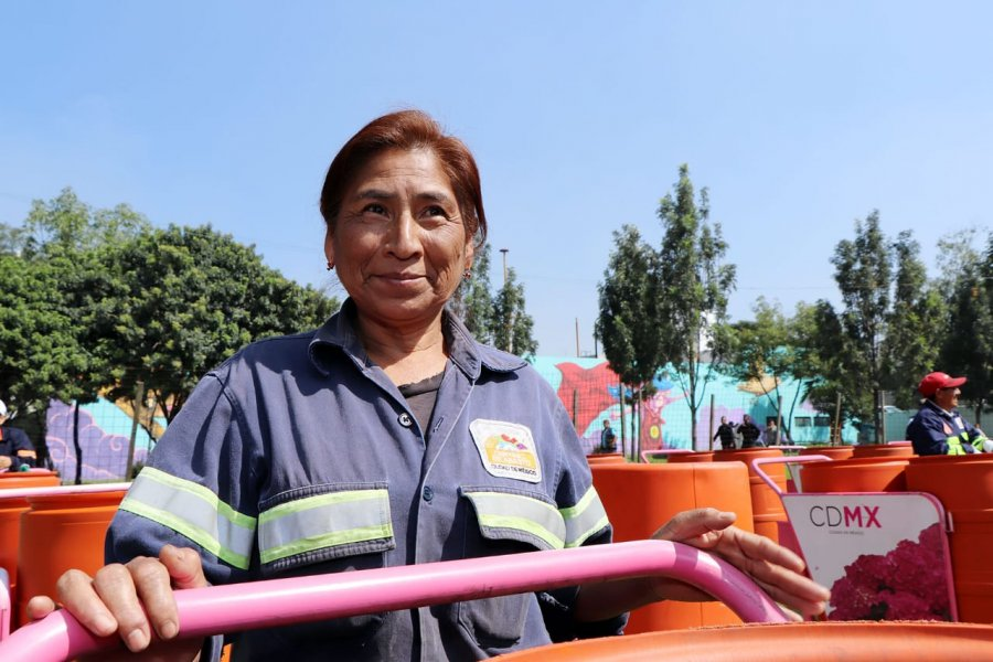 Renuevan más de 300 carritos de limpieza en Central de Abasto CDMX