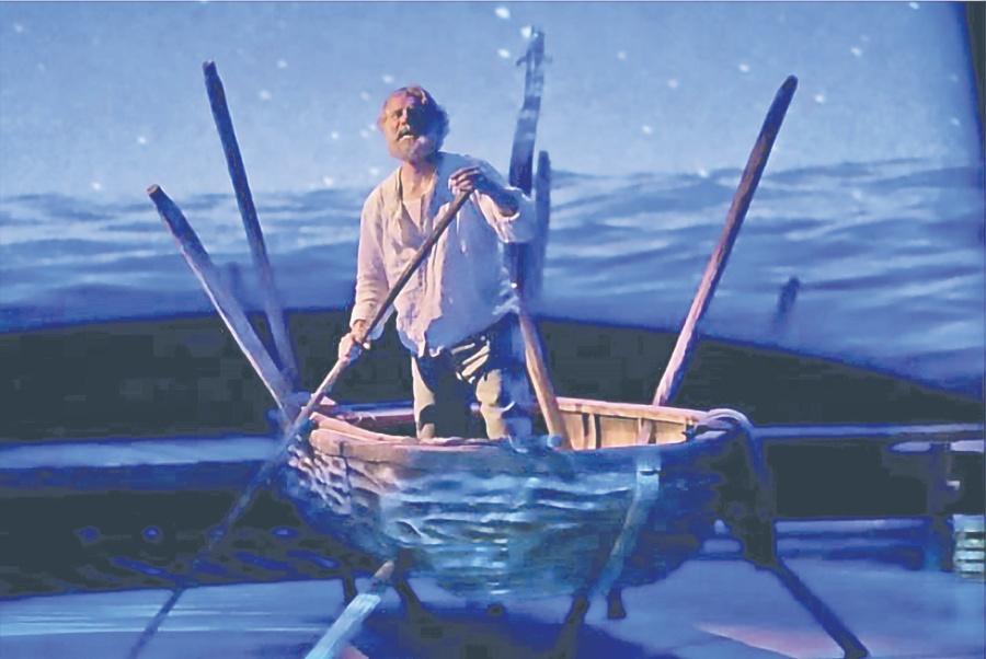 Cumple su promesa y adapta El Viejo Y El Mar