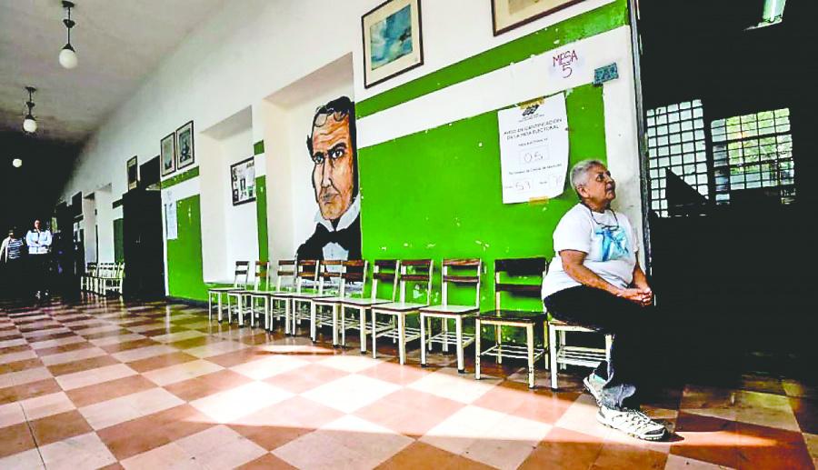 Los Venezolanos renuncian a votar por falta de garantías