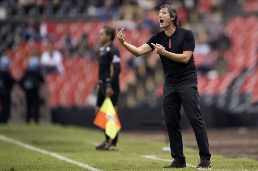 Maradona se mide ante experiencia de Caballero