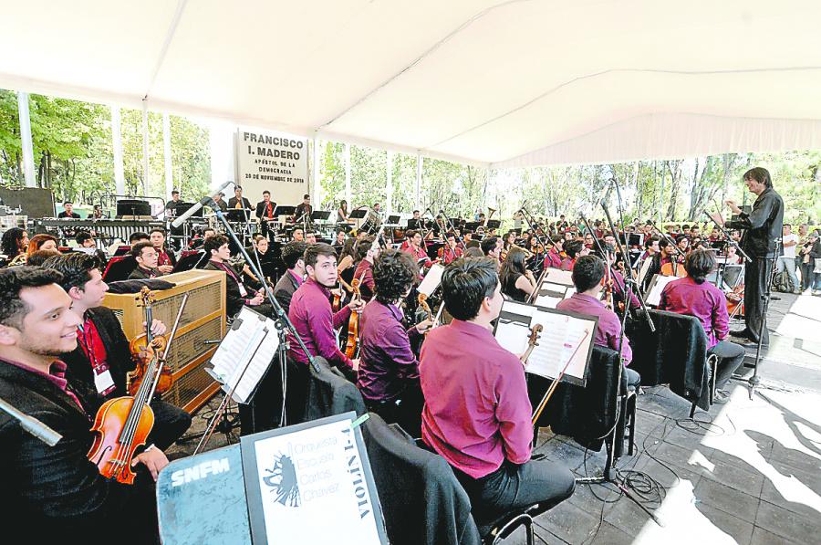 Abren 3 mil lugares para ver Carmina Burana en Los Pinos