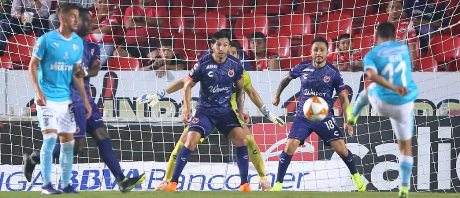 Hiram Mier y Gallos consiguen empate ante Veracruz