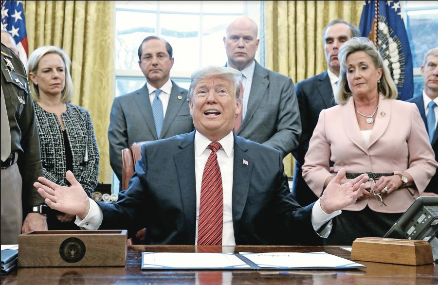 """Trump advierte que cierre de EU ya es una """"crisis humanitaria"""""""