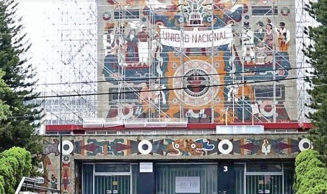 Ciudadanos insisten en que murales de la SCT se queden en su lugar
