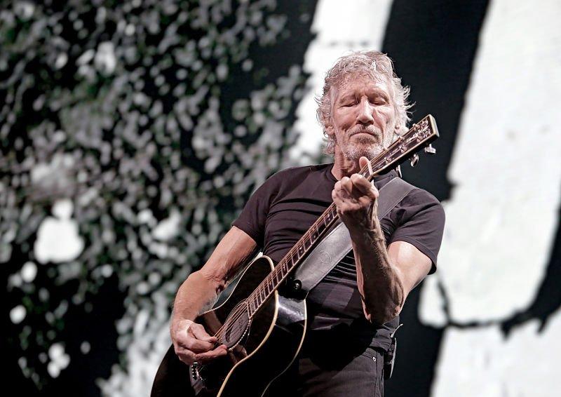 En concierto, Roger Waters califica de