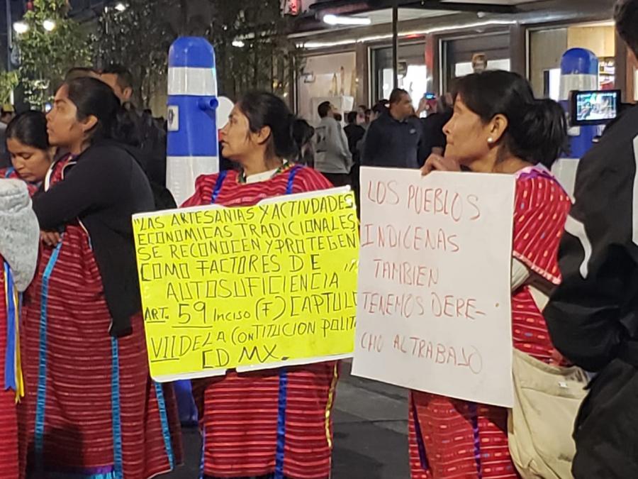 Retiran a indígenas triquis del Centro Histórico