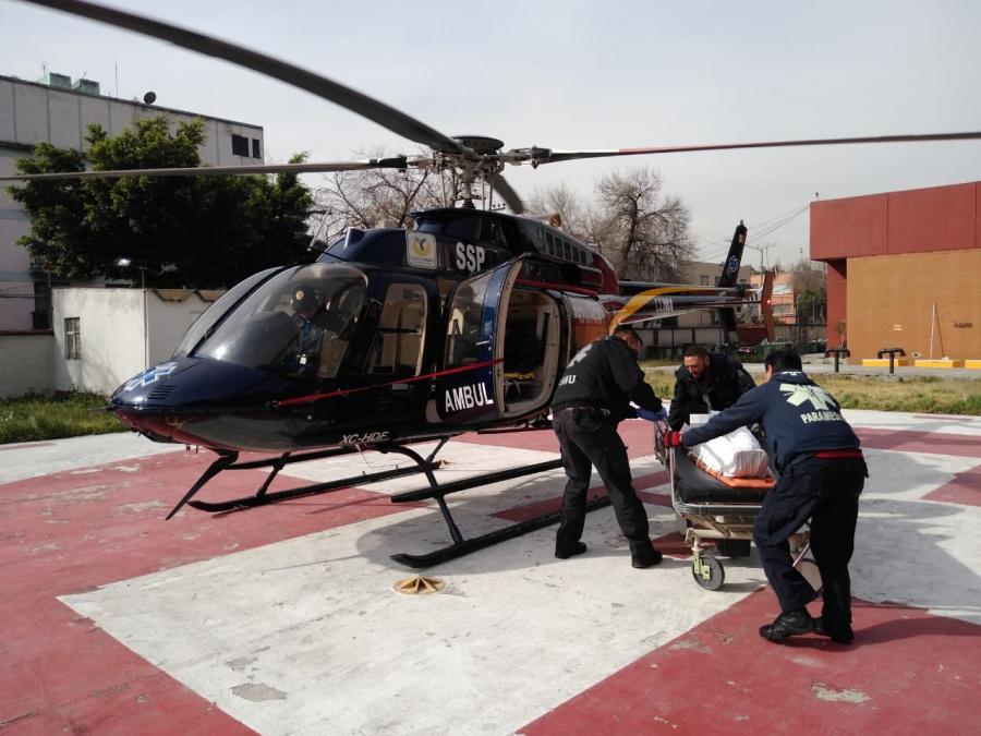 Cóndores trasladan de emergencia a mujer con infarto