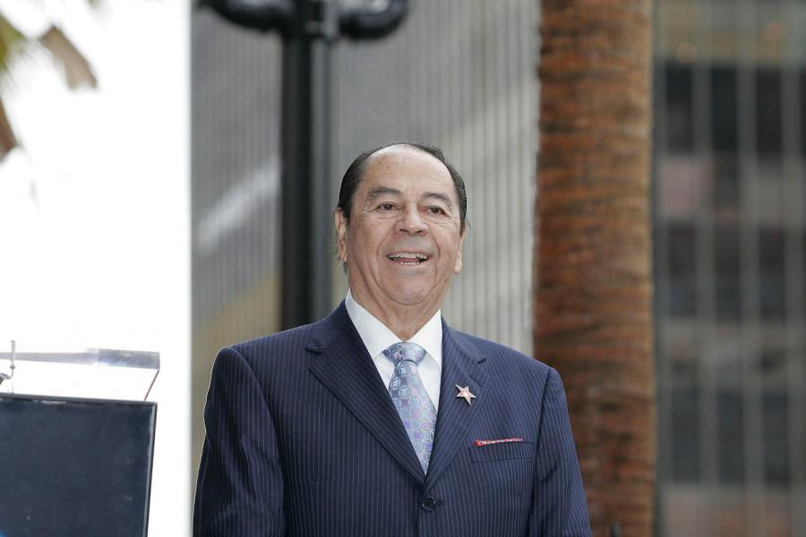 Chile declara un día de duelo por muerte del Rey del Bolero
