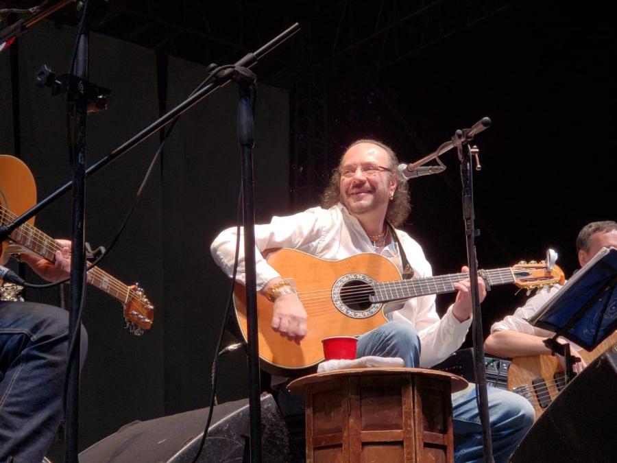 Fernando Delgadillo en la clausura del Festival del Bosque