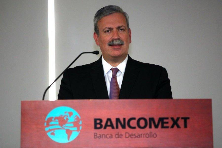 Titular de Bancomext destaca papel de banca