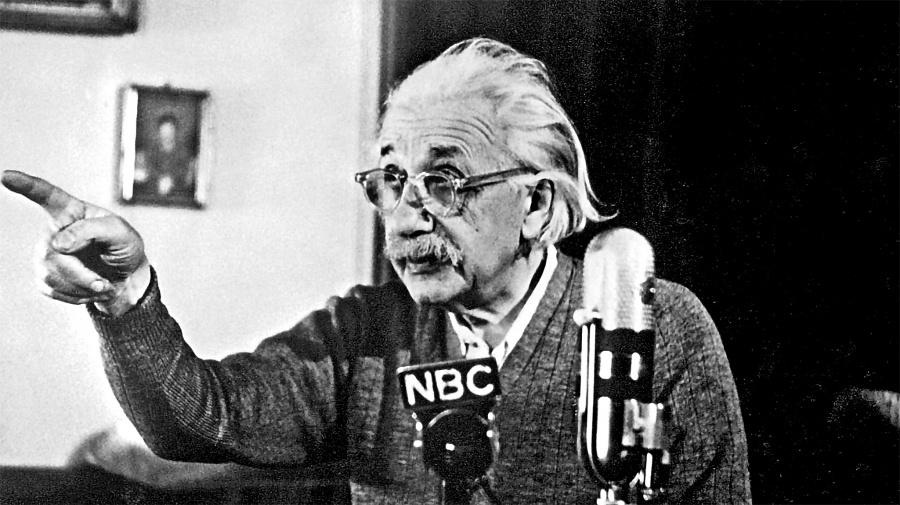 Subastan en 2.8 mdd la carta en la que Einstein cuestionó la creencia en dios