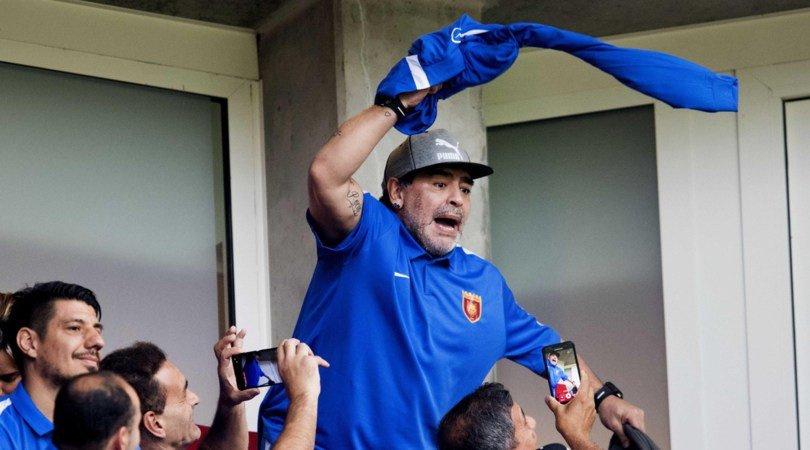 Dan de alta a Diego Maradona tras cirugía abdominal