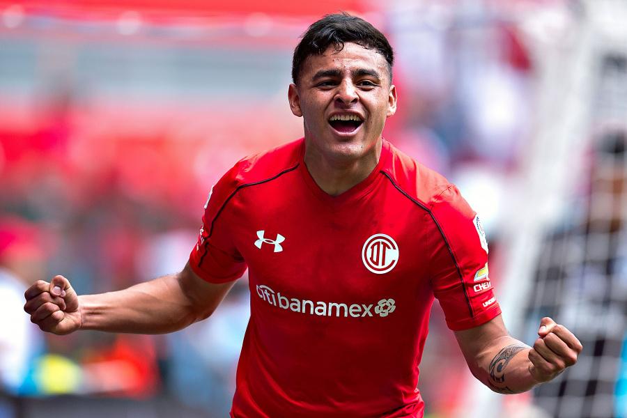 Alexis Vega a nada de llegar a Chivas