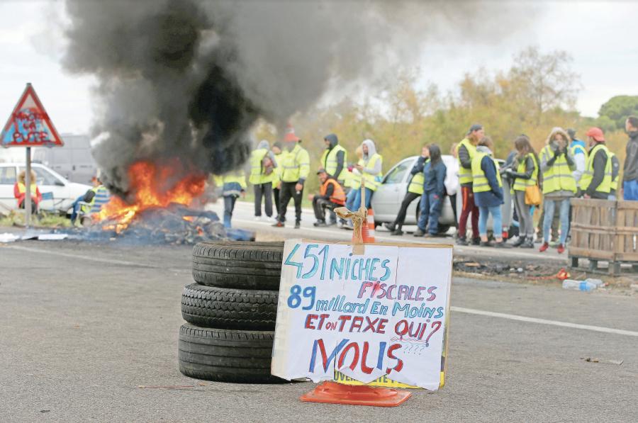 Gasolinazo derrumba popularidad de Macron