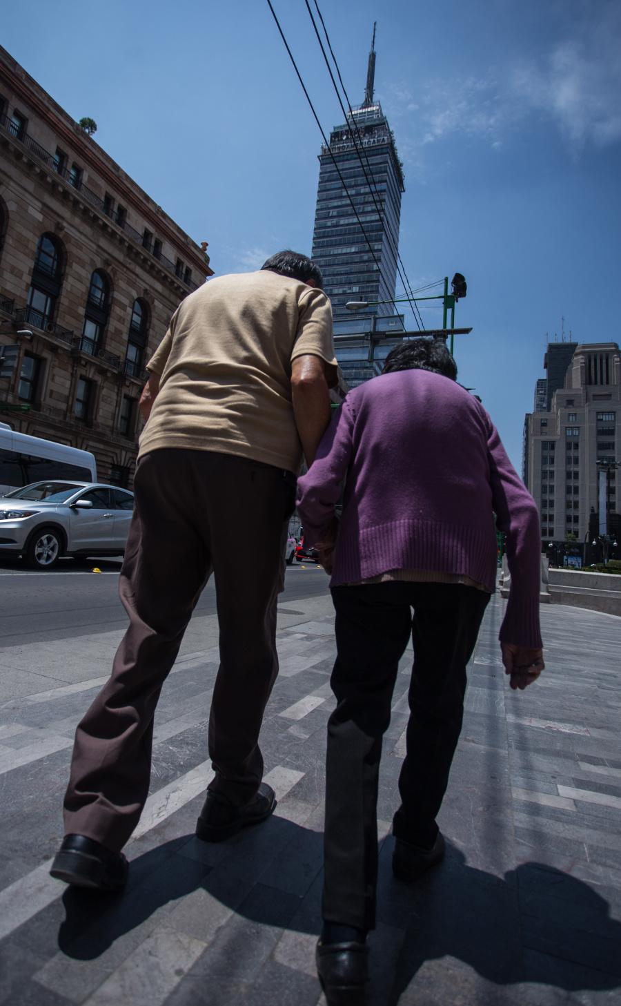 El Pleno del Congreso pide al GobCDMX, se amplié la oferta de salud para adultos mayores