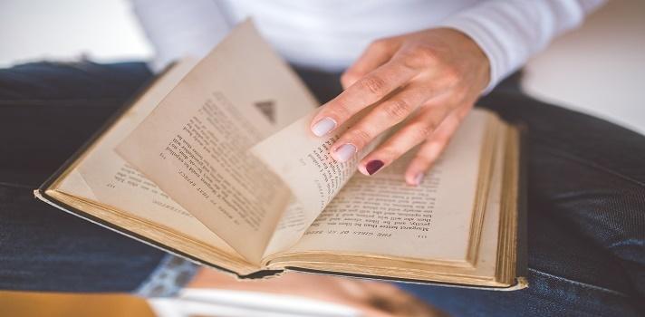 Estos son los diez libros que la mujer inteligente debe leer