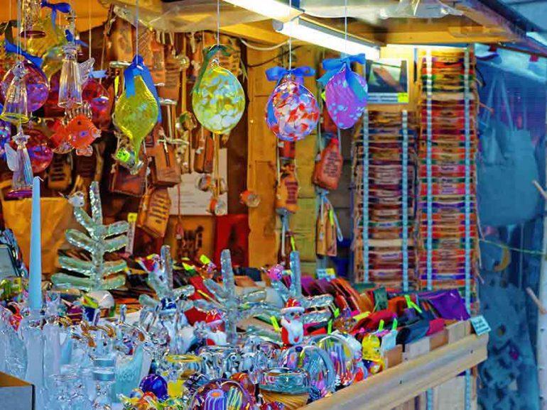 ¡Ya está el Bazar Navideño en la V. Carranza!