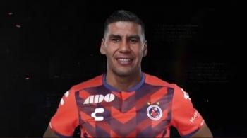 ¡Ya es oficial! Carlos Salcido pospone su retiro; ficha para los Tiburones Rojos