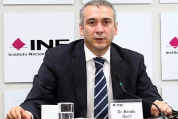 Consejero Benito Nacif evita baja salarial gracias a Juez