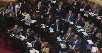 Se decide el presupuesto 2019 en medio de protestas