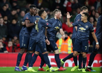 Manchester United avanza en la FA Cup a costa del Arsenal