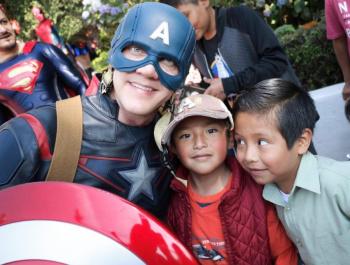 Alcalde de Cuajimalpa entrega juguetes a 12 mil niñas y niños por Día de Reyes