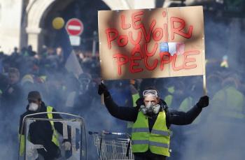 """Con vigilancia extrema marchan los """"Chalecos amarillos"""