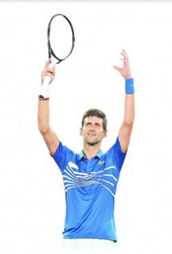 Novak gana en debut del Abierto de Australia