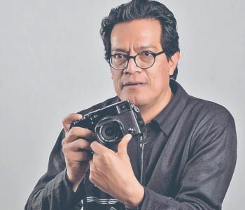 Eloy Valtierra revisa la historia en imágenes