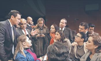 Oposición impugna reformas de Morena