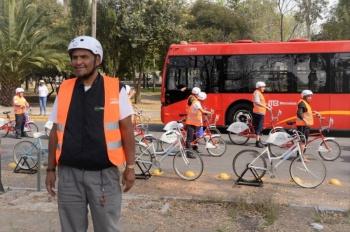 SEMOVI brinda capacitación de ciclismo urbano a operadores de la Línea 7 del Metrobús
